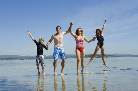 Swansea Gardens Lakeside Holiday Park: Family fun at Lake Macquarie