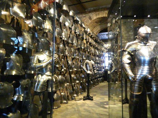 Evan Evans Tours : Armor used by soldiers