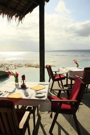 CoCo Beach Resort : Dining Room with a VIEW
