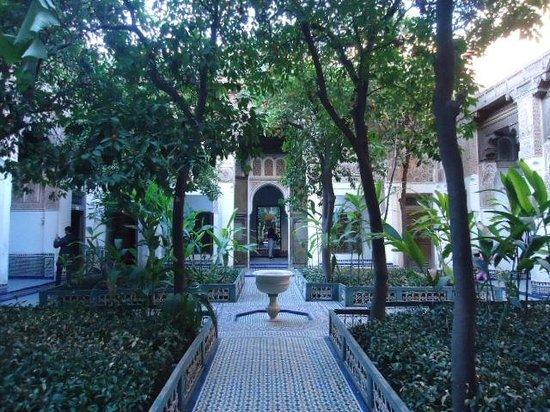 Palais de la Bahia : Beautiful courtyard!