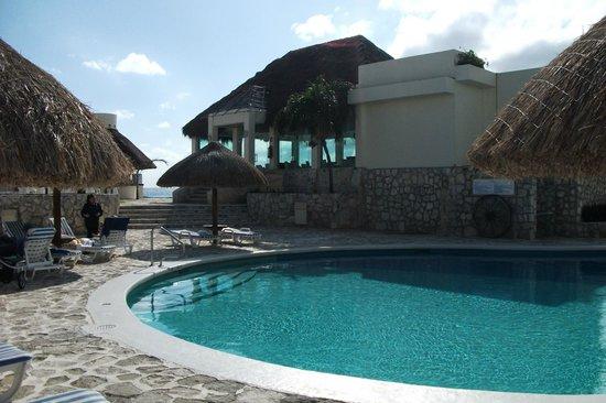 Grand Park Royal Cancun Caribe: Piscina