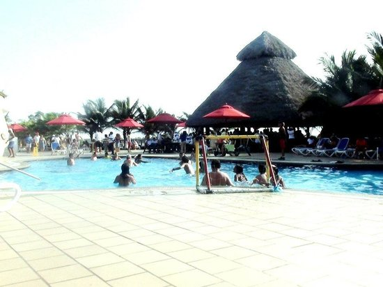 Royal Decameron Mompiche: Pool/Beach Area = Marvelous