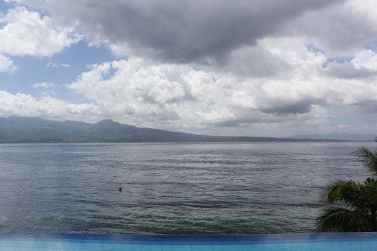 Eden Resort: View from Room 9