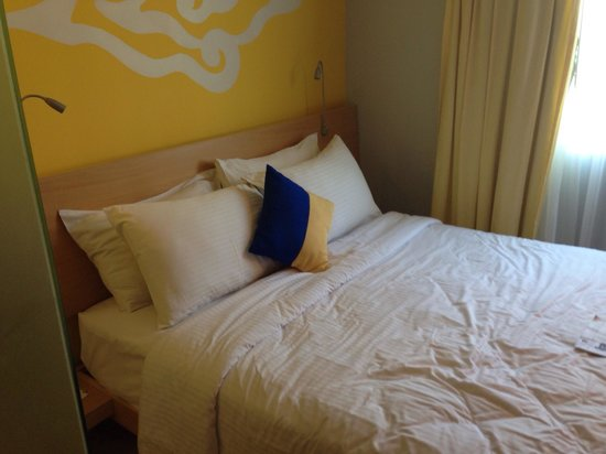 BEST WESTERN Kuta Beach: Bed