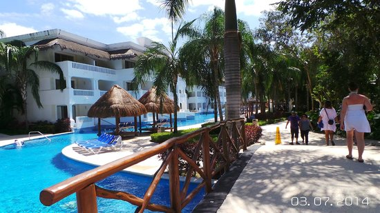 Grand Sunset Princess All Suites Resort: Swim out rooms