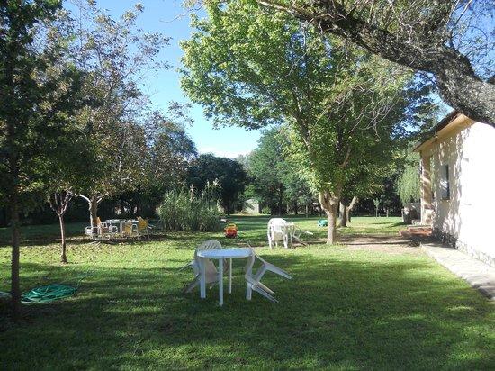Las Acacias - Posada de Campo: Parte del parque