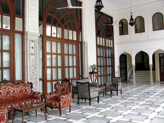 The Raj Palace Grand Heritage Hotel: sitting area