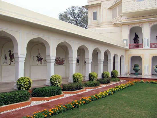 The Raj Palace Grand Heritage Hotel: corridor
