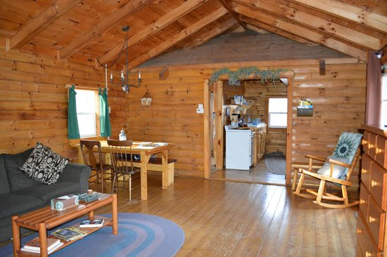 Comfort in the Woods Cabins : Kitchen, dining area, bathroom and loft