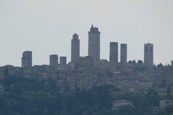 Fattoria Poggio Alloro: Manhattan in Tuscany