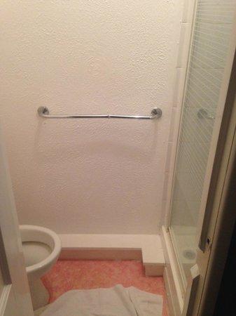 The Sutherland Hotel : Bathroom