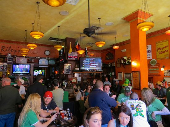 BD Riley's Irish Pub Downtown: Cheers!