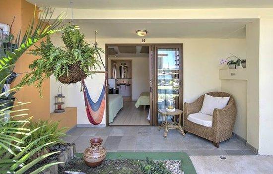 Hotel Casa Alegre / Posada Nena: Terrasse eines Gartenzimmers