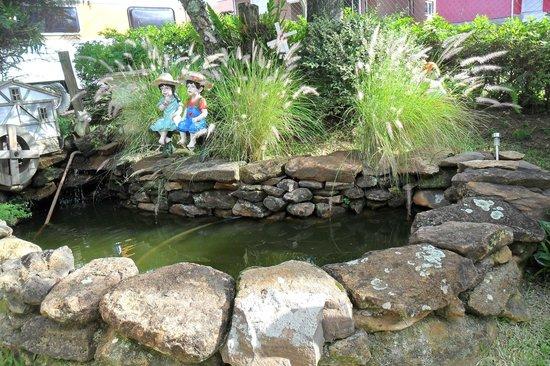 Pousada dos Platanos : laguinho