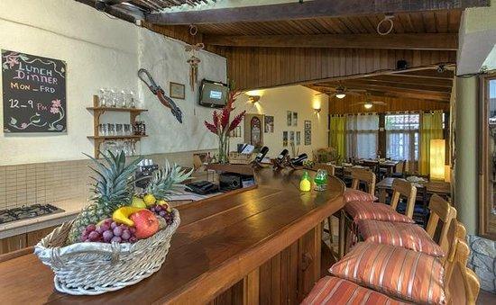Hotel Casa Alegre / Posada Nena: Bar und Frühstücksbereich