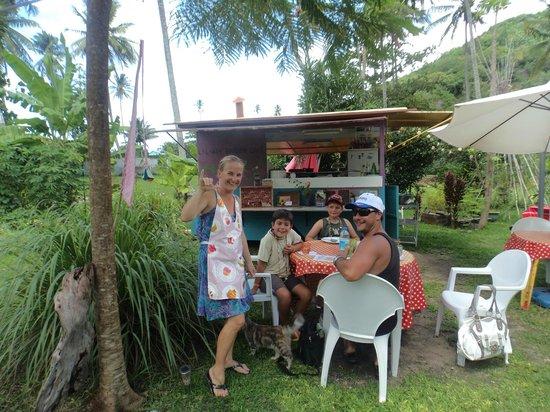 Lilikoi Garden Café : In the garden