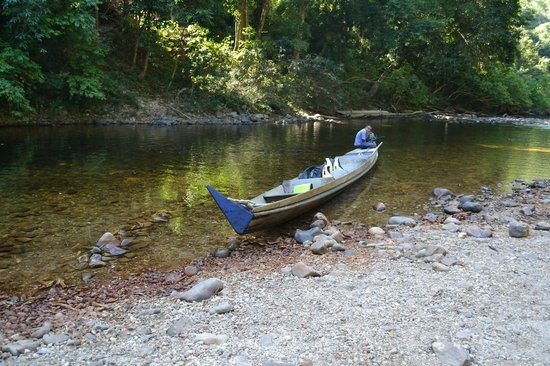 Taman Negara National Park: The boat one rents to go up-river
