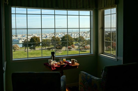 Inn at Oyster Point : In-room breakfast... with a view