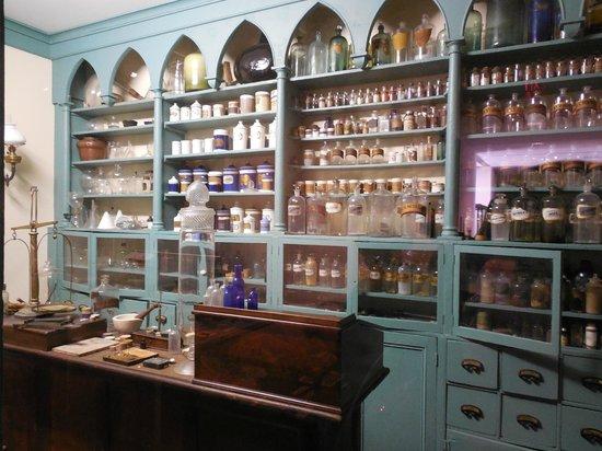 Charleston Museum: Apothecary