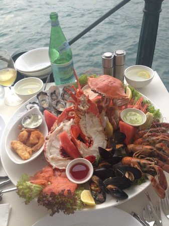 Sydney Cove Oyster Bar: THE Seafood Platter