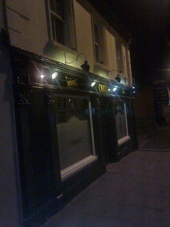 Frank Owens Bar: Owens' by night
