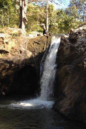 Matagalpa Tours: Yasika River waterfall jump