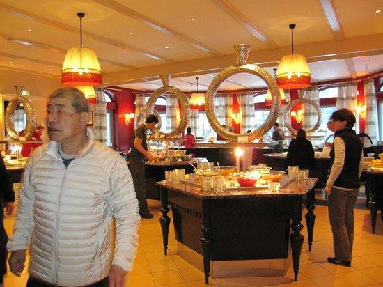 Club Med Chamonix Mont-Blanc: ビュッフェの様子(一部)