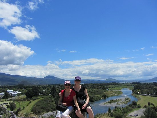 Sportsmans Lodge: Amazing scenery on the Tongariro River Walk