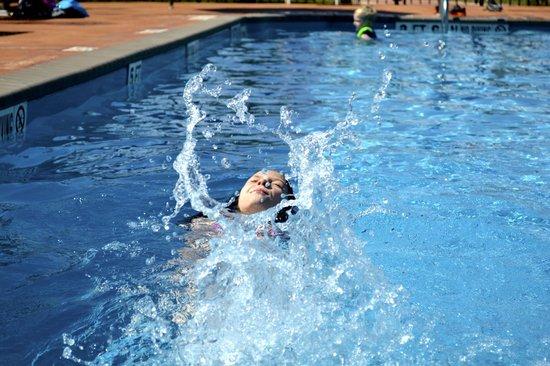 Victoria / Coleto Creek Lake KOA: Splash in our Pool