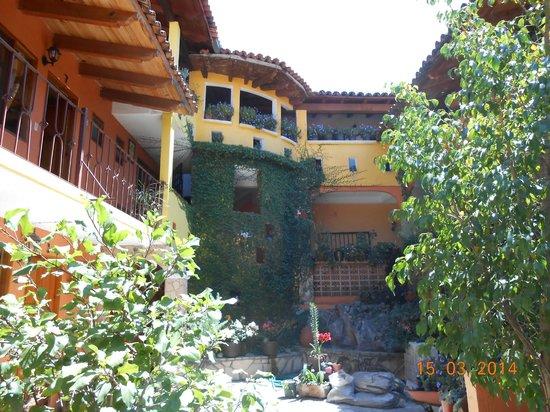 Posada San Luis: La entrada/patio