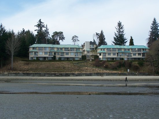 Ocean Sands Resort: View from the beach