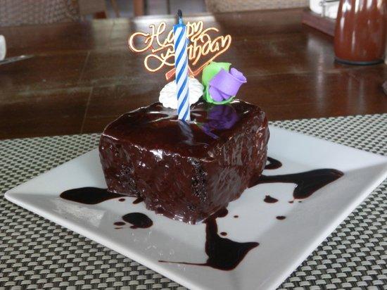 Coral Beach Club: Bday Cake