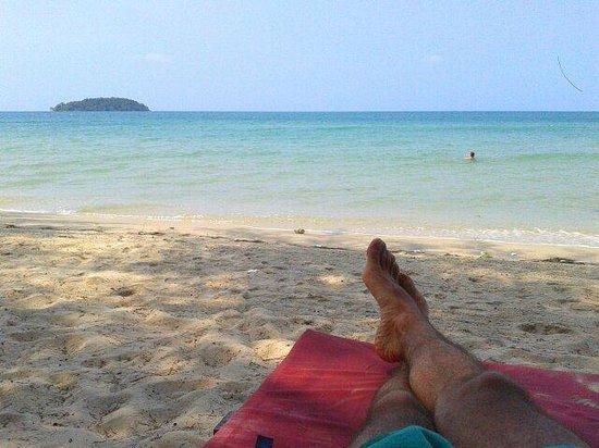 Papa Pippo Bar, Restaurant & Bungalows : Descansando en la playa y sus vistas