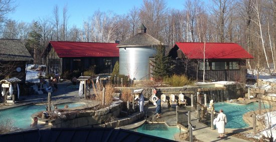 Scandinave Spa at Blue Mountain: steam room in the silver silo, hot pools outside