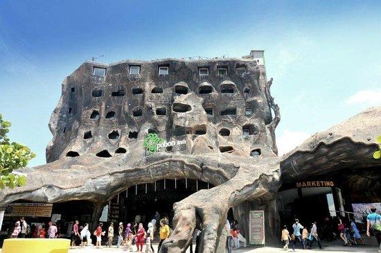 Batu Villa - 9 Detik Melangkah - Villa keluarga di kota