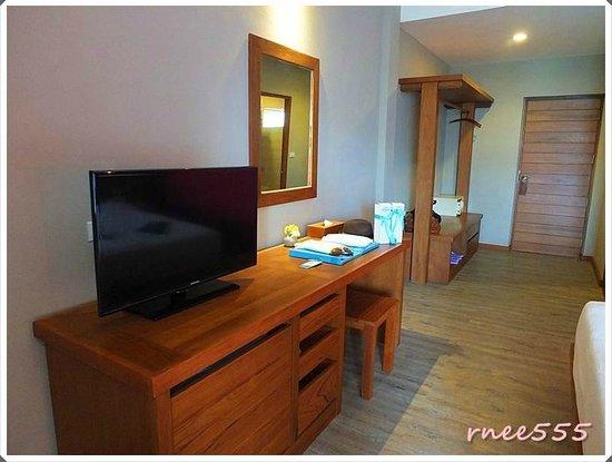 Ao Prao Resort: ภายในห้องพักกับทีวีคมชัด