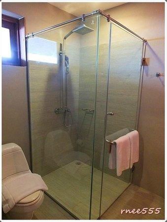 Ao Prao Resort: ห้องอาบน้ำ