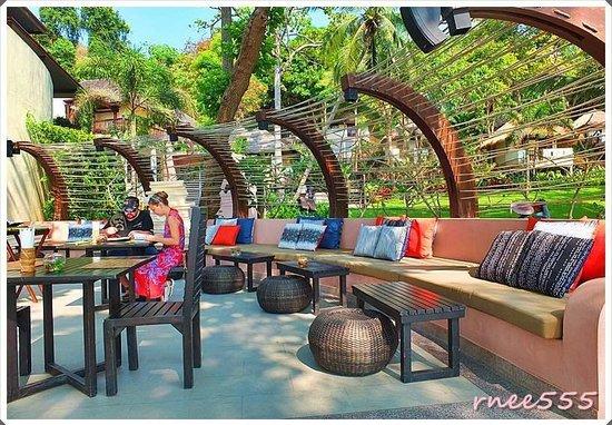 Ao Prao Resort: บรรยากาศห้องอาหาร