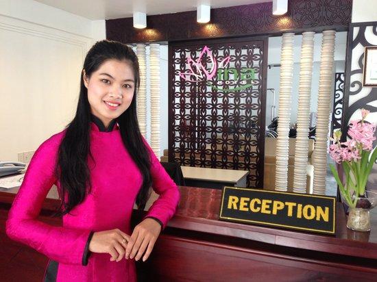 Vina Hotel Hue: Reception