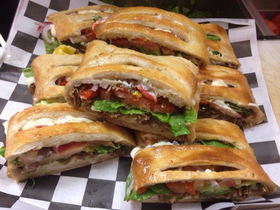 Villa Grande Pizzeria: California cheesesteak Stromboli