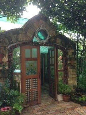 Sonya's Secret Garden: Entrance