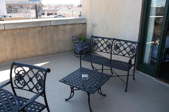 French Quarter Inn: Terrace