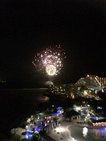 Onward Beach Resort: 花火が見えました