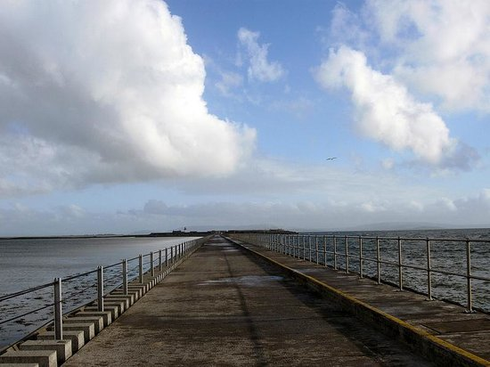 Galway Bay: 10 feet, from ocean to bay - stay dry