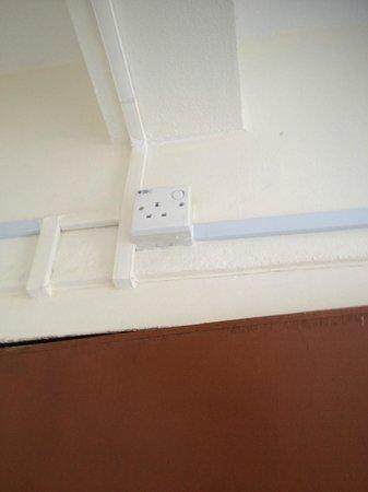 TJ Lodge : Weird connector above the door