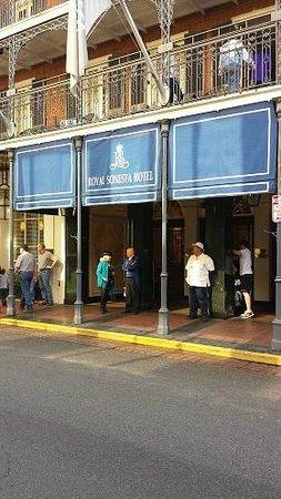 Royal Sonesta New Orleans: Outside view from Bourbon Street