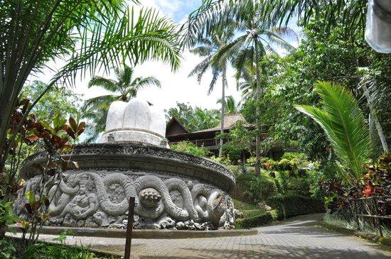 Ayung Resort Ubud: The beautiful lush grounds
