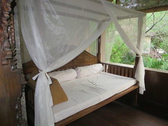 Alam Gili : Day bed