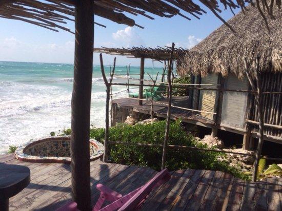 Azulik: Neighbor Cabañas and bath tube