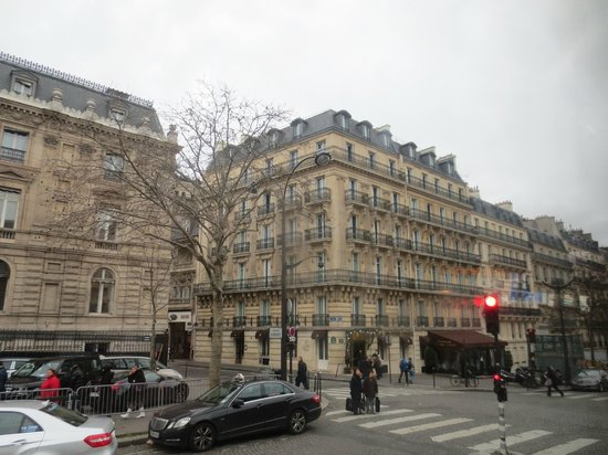 Hôtel Splendid Etoile : View of the hotel from across the road